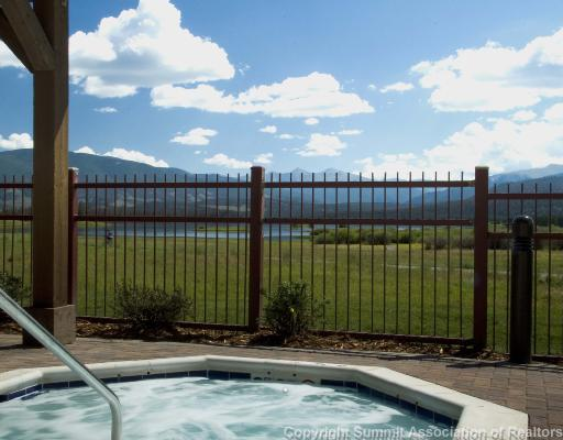 Hot Tub Overlooking Lake Dillon Frisco Lakeside Condo